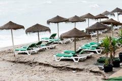 Bänkar på stranden Royaltyfria Bilder