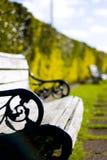 Bänke im Garten Lizenzfreie Stockfotografie