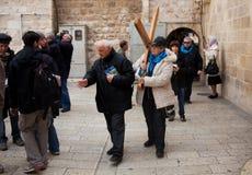 bär den kyrkliga heliga near sepulcherkvinnan Royaltyfri Fotografi