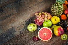Bär frukt allt tillsammans Arkivfoto