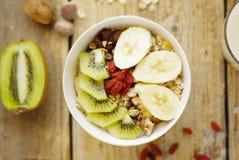 bär fruktt oatmealen arkivbilder