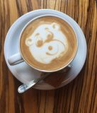 Bär Lattekunst Stockfotografie