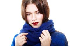 Bära för kvinna som är woolen arkivbilder