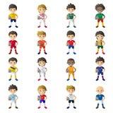 Bärande fotbollärmlös tröja för pojke som rymmer en fotbollboll Royaltyfri Foto