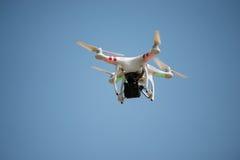 Bärande kamera för surrflyg Arkivbilder