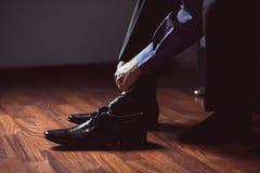 Bärande skor för man Arkivfoton