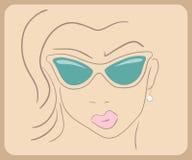 Bärande solglasögon för Handdrawn kvinnaframsida Närbild Fotografering för Bildbyråer