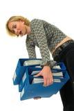 bärande tung kvinna för mappar Royaltyfri Fotografi