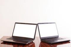 bärbar dator öppnar Royaltyfria Bilder