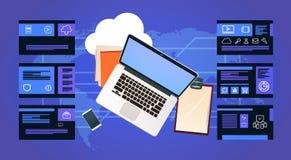 Bärbar dator för kontorsskrivbord över mitt för beräkning för dataskydd med infographic, nätverket och databas, internetmitt vektor illustrationer