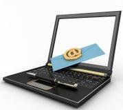 Bärbar dator med den inkommande bokstaven via mejl Fotografering för Bildbyråer