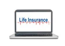 Bärbar dator med livförsäkringord på skärmskärm som isoleras på wh arkivfoton
