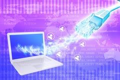 Bärbar dator med tråd- och datorsymboler Royaltyfria Foton