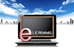 Bärbar dator och lära för e Arkivbild