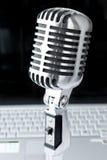 bärbar datormikrofon royaltyfria bilder