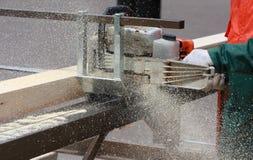 Bärbar sawmill Arkivbild