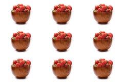 Bärkött, körsbär, söta körsbär, jordgubbar på vitbaksida Royaltyfri Bild