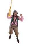 Bärtiger, bayerischer Kerl, der mit Weizenbier springt Lizenzfreie Stockfotos
