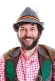 Bärtiger Kerl in der traditionellen bayerischen Kleidung Lizenzfreie Stockfotos