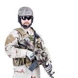 Bärtiger spezieller Kriegsführungsbetreiber Stockfoto