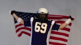 Bärtiger Spieler des amerikanischen Fußballs, Porträt stock video
