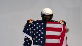 Bärtiger Spieler des amerikanischen Fußballs, Porträt stock footage