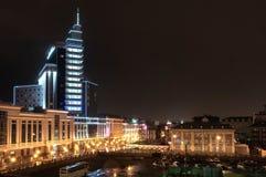 Bästa nattsikt av mitten av Kazan Hotell Kazan, Tatarstan royaltyfri foto