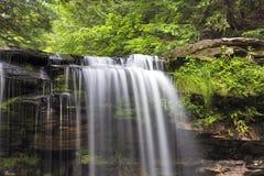 Bästa rad av vattenfallet Arkivfoton