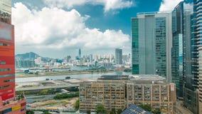 Bästa sikt av byggnader på dagen i stads- timelapse för finans, Hong Kong stad lager videofilmer