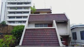 Bästa sikt av den förorts- grannskapen i Bangkok Flyg- sikt av parkerings- och takblast av Thailand husutveckling överkant Arkivfoto