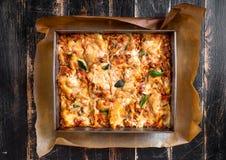 Bästa sikt av en traditionell italiensk lasagne Royaltyfri Foto