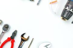 Bästa sikt av funktionsdugliga hjälpmedel, skiftnyckel, hålighetskiftnyckel, hammare som är screwdrive Royaltyfria Bilder