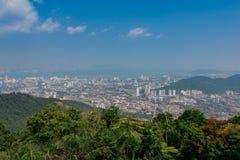 Bästa sikt av Georgetown, Penang ö, Malaysia blick från överkant av Arkivfoto