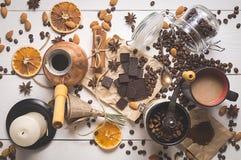 Bästa sikt av kaffeuppsättningen på dagen av St-valentin Royaltyfri Fotografi