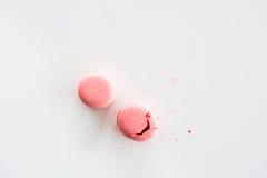Bästa sikt av läckra rosa macaronskakor Fotografering för Bildbyråer
