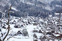 Bästa sikt av Shirakawago i vintern Arkivbild