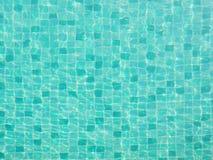 Bästa sikt av simbassängvattentextur royaltyfri fotografi