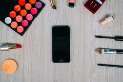 Bästa sikt av skönhetsmedel och sminkobjekt Arkivfoton