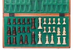 Bästa sikt av uppsättningen av schackstycken Arkivfoton