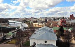 Bästa sikt av Yaroslavl den gamla staden Royaltyfria Bilder