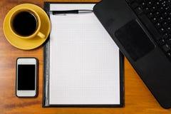 Bästa sikt för kontorstabell arkivbilder