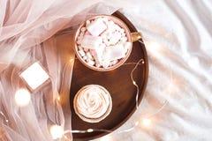 Bästa sikt för kopp kaffe och för kaka Royaltyfri Fotografi
