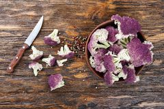 Bästa sikt för purpurfärgad blomkål Arkivfoto