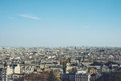 Bästa sikt för stadsmitt - den Paris Frankrike staden går loppforsen Arkivfoto