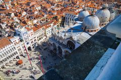 Bästa sikt på den San Marco fyrkanten i Venedig Royaltyfria Foton