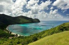 Bästa sikt till den tropiska ön Arkivbilder