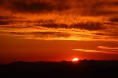 Bästa soluppgång för berg Royaltyfri Fotografi