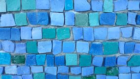 Błękit dachówkowa mozaika na ścianie obraz stock