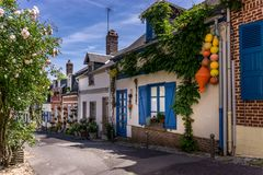 Błękita dom w saint-valery-sur-somme obraz royalty free