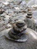 błękitny falez znakomity formularzowy filarów nieba kamień pod cudackim zdjęcia stock